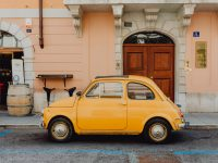 le-phare-association-kaboompics_Classic Fiat 500 car parked on the street in the town of Trieste, Italy